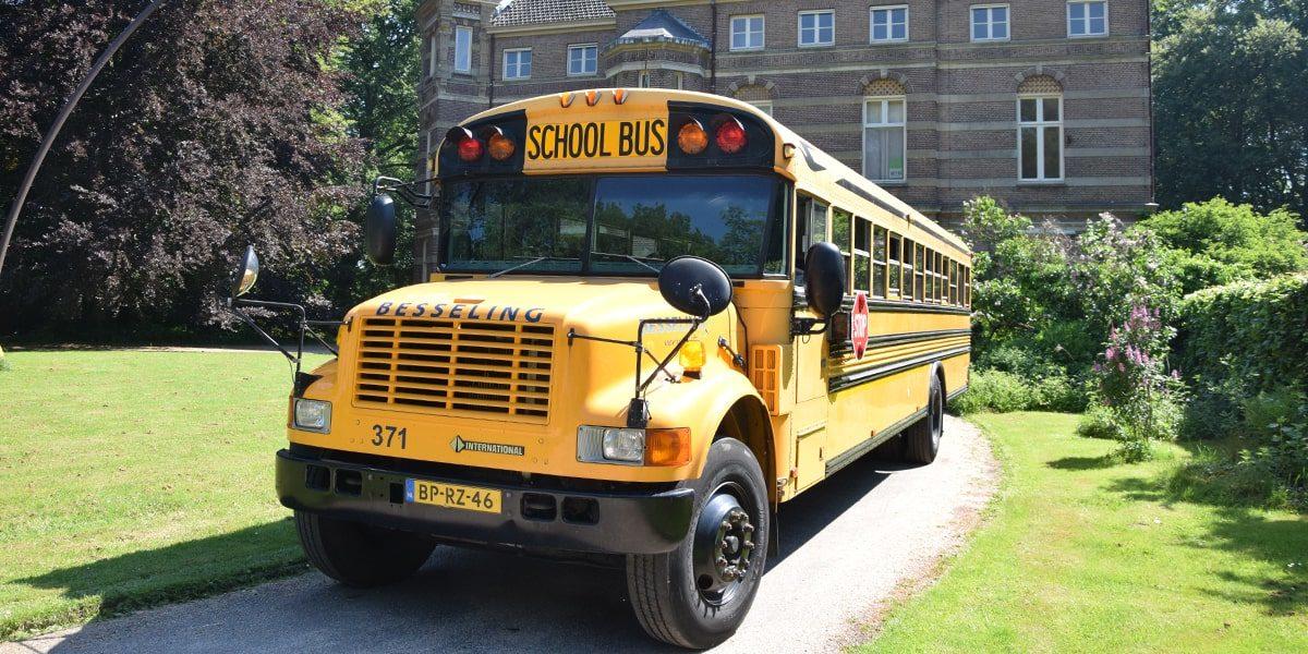 Besseling_USA_Schoolbus_2-min